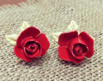 Vintage 50s Rosette Screw Back Earrings / 3D Red Roses
