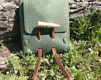 Green cowhide leather belt pouch with antler toggle - bushcraft woodscraft viking renaissance faire reenactment sca