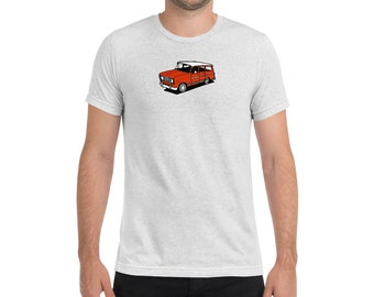 72 International Harvester Travelall Short sleeve t-shirt