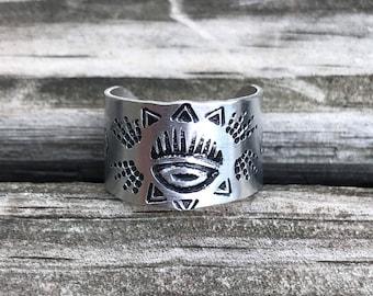 Eye Ojo stamped cuff ring