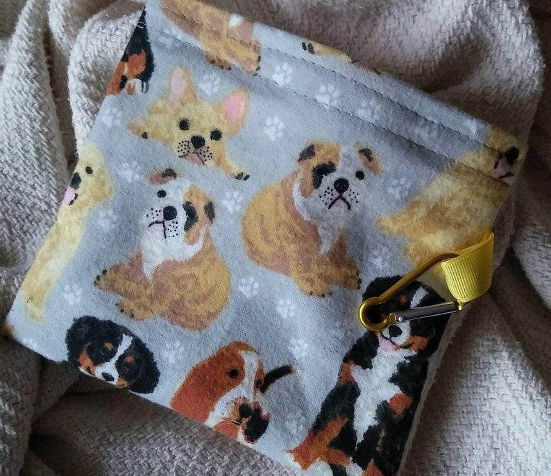 Dog Bones Training Pouch Plastic Alternative Reusable Pet Snack Treats Bag
