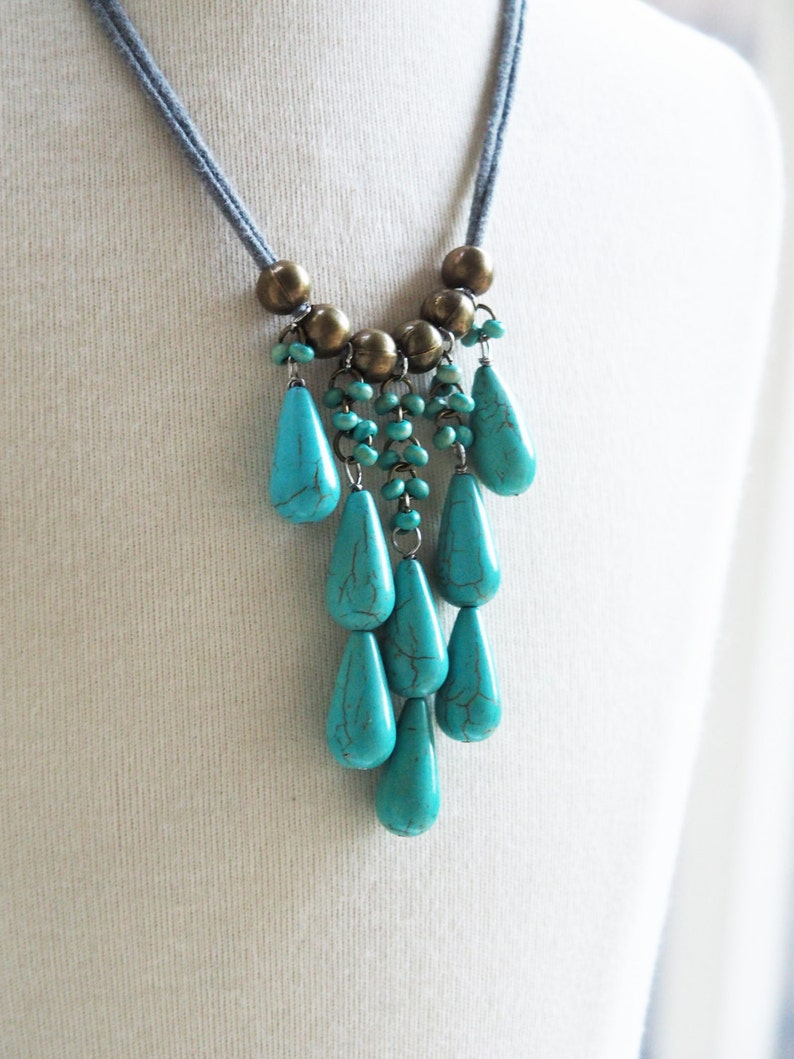 single layer turquoise teardrops and gray necklace image 0