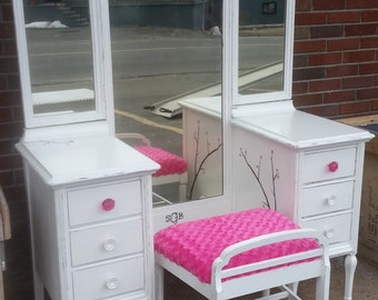 Circa 20's Antique White Vanity Dressing Table Salvaged Shabby Chic Distressed Refinished WHAGN