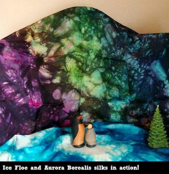 e71fc693156f Playsilk Aurora Borealis Northern Lights jouer soie carré de   Etsy