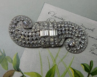 CORO Signed DUETTE Art Deco Rhinestone Brooch or Dress Clip Double Swirl   NEM7