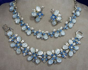 FLORENZA Signed Pastel Blue Foiled Cabochon Choke Necklace, Bracelet & Clip Earrings Set    OCD11