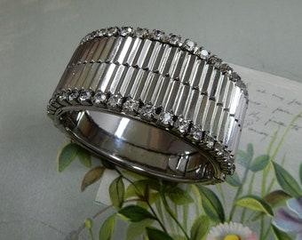 Artisan Crafted Sterling Silver Hinged Bracelet w Openwork Geometric Design    PP5