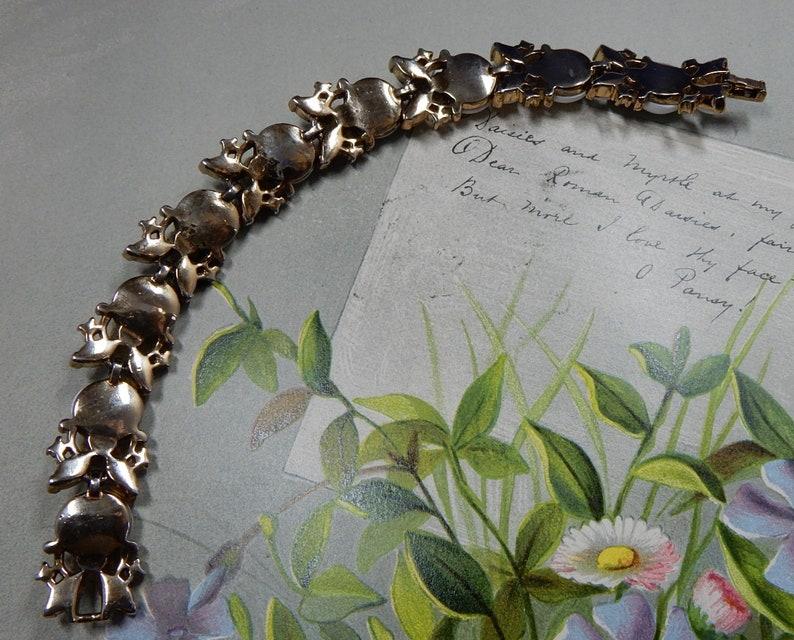 Crown TRIFARI Signed Gold /& White Melon Fruit Link Bracelet    QD7