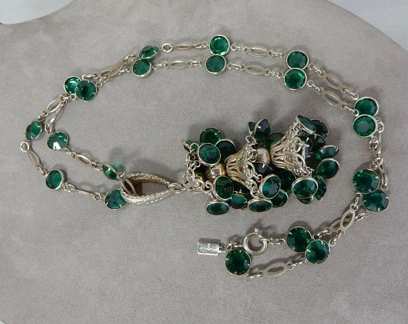 SCHIAIPARELLI Signed Green Crystal /& Silver Tassel Dangle Pendant Necklace   PDN26