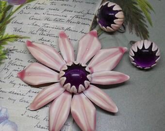 60s Flower Power Pink Metal Brooch & Earrings Set w/ Amethyst Center    MDQ21