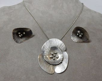 Sterling Silver Nature Inspired Pendant Necklace on Chain and Matching Earrings Set    ODT35