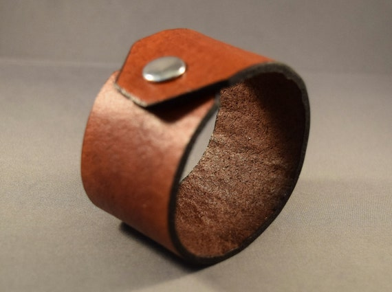 Leather cuff for men-leather cuff for women-Brown leather cuff-Mens wrist bracelet-Womens wrist bracelet-Women Gifts-Men Gifts