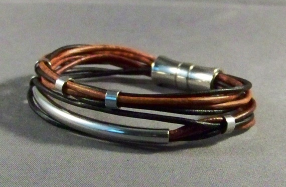 Men leather Bracelet-Women leather bracelet with tube and beads in brown leather