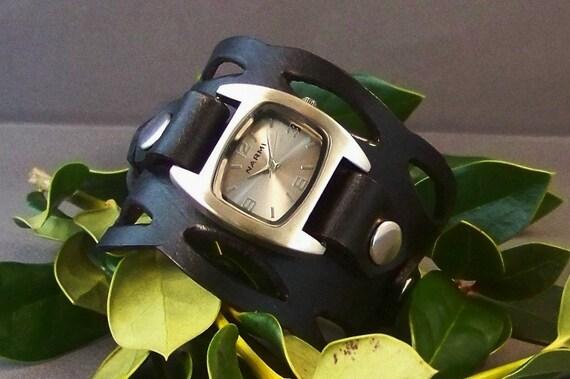 Leather Watch-Cuff Watch-Bracelet Watch-Women Watch-Men Watch-Unique Watch-Black Watch-Black Cuff Watch-Gift For Him-Gift For Her-Gifts