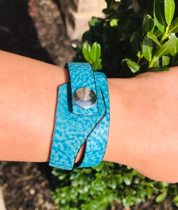 Leather cuff women, Turquoise bracelet, Wrist women cuff, leather bracelet, leather wrap bracelet, gifts, Vintage bracelet