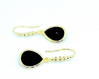 Black Dangle Earrings, Black Earrings, Onyx Earrings, Valentine Day Gift, Gold Dangle earrings, Gift for her, wife, mom, friend Gift,