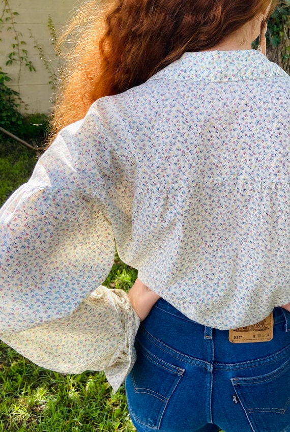 1970's Floral Cotton Prairie Blouse with Wood But… - image 6