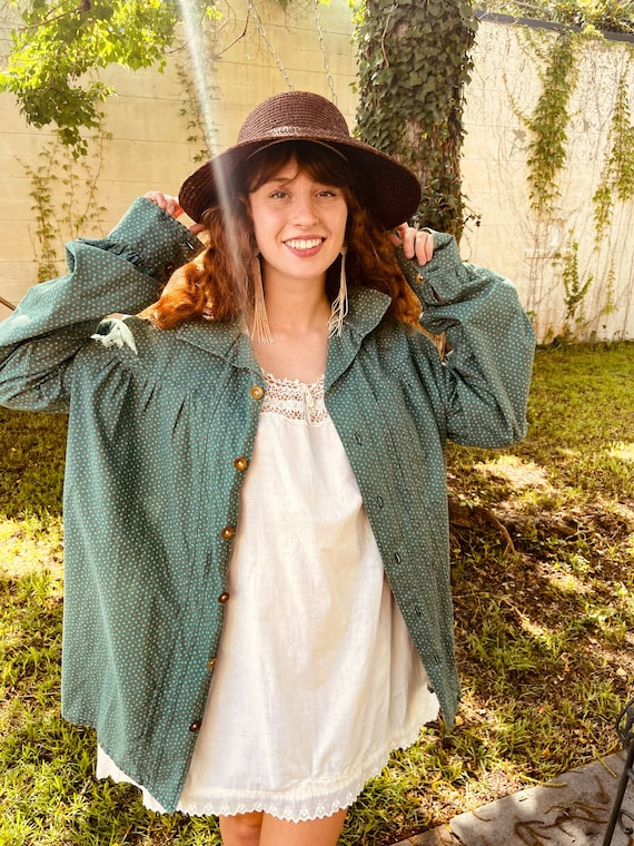 1970s Green Cotton Floral Prairie Blouse with Ful… - image 9