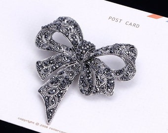 Vintage Rhinestone Bow Brooch Luxury Pins