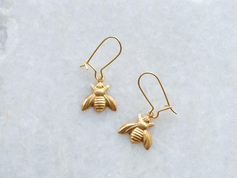 Bumble Bee Dangle Charm Silver Plated Ear Hooks Honey Bee Drop Earrings