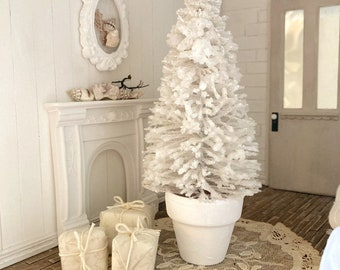 Dollhouse Miniature Christmas Tree - One Inch Scale