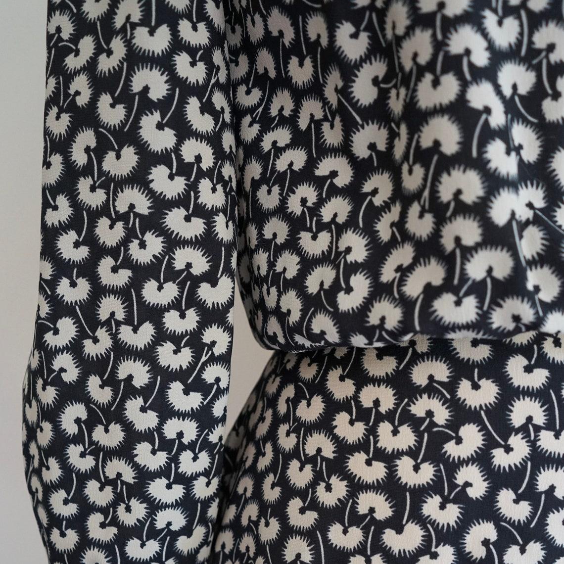 Vintage 1970s floral print dress  70s black and white