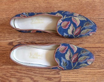 vintage 1980s J. Alonghi woven leaves smoking slippers | 80s 90s brocade printed slip on loafers | 8.5