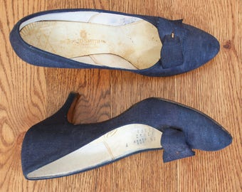 vintage 1950s Johansen blue textured fabric pumps | 50s blue buckle classic high heels | 7.5 AAA