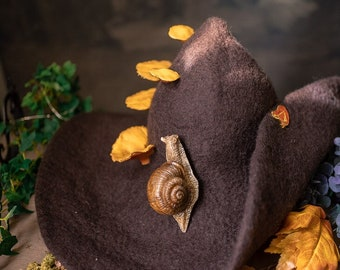Forest Witch hat with mushrooms and a Snail forest wizard hat felted hat wool Halloween costume witch costume larp hat cosplay dark academia