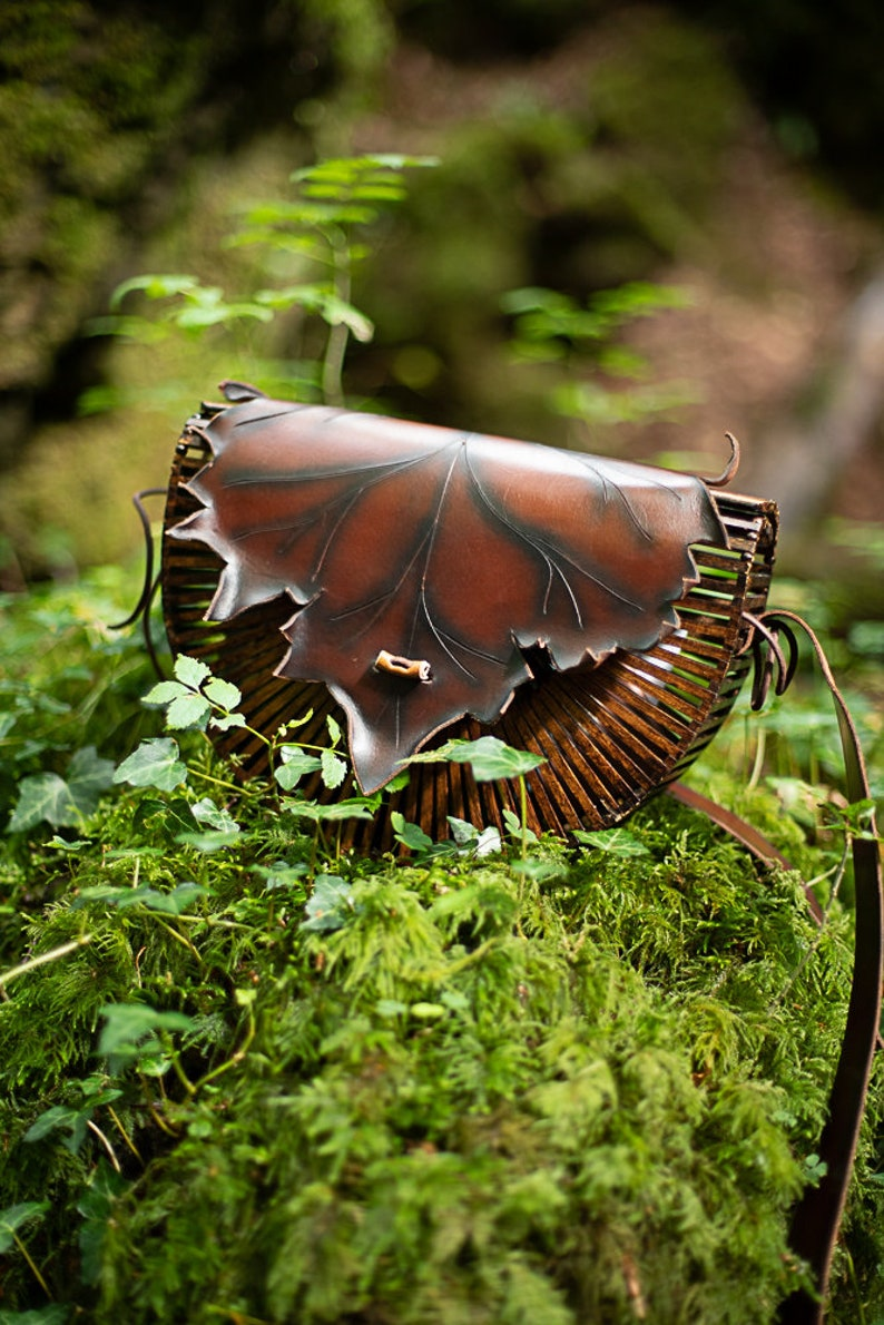 Elven leave bag wood and leather nature form black and brown image 0