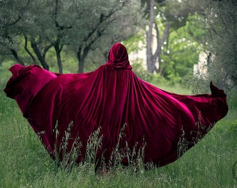 Red Riding Hood stretch Velvet Cape Costume Cape Fairytale Fantasy Cloak in Red Medieval