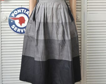 """Vintage 40s Women's Skirt Daywear 5 Shades of Gray Junior Fashions by Carole King Theater Costume Distressed as is Pleated waist S-M 26""""w"""