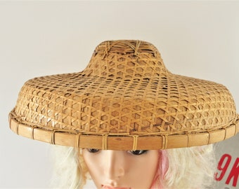 Vintage Oriental Asian Chinese Wide Brim Straw Sun Hat Costume Theater 50s  60s Peasant Bamboo Cane Woven Coolie Fisherman Farmer Decor 6095804b3cfd