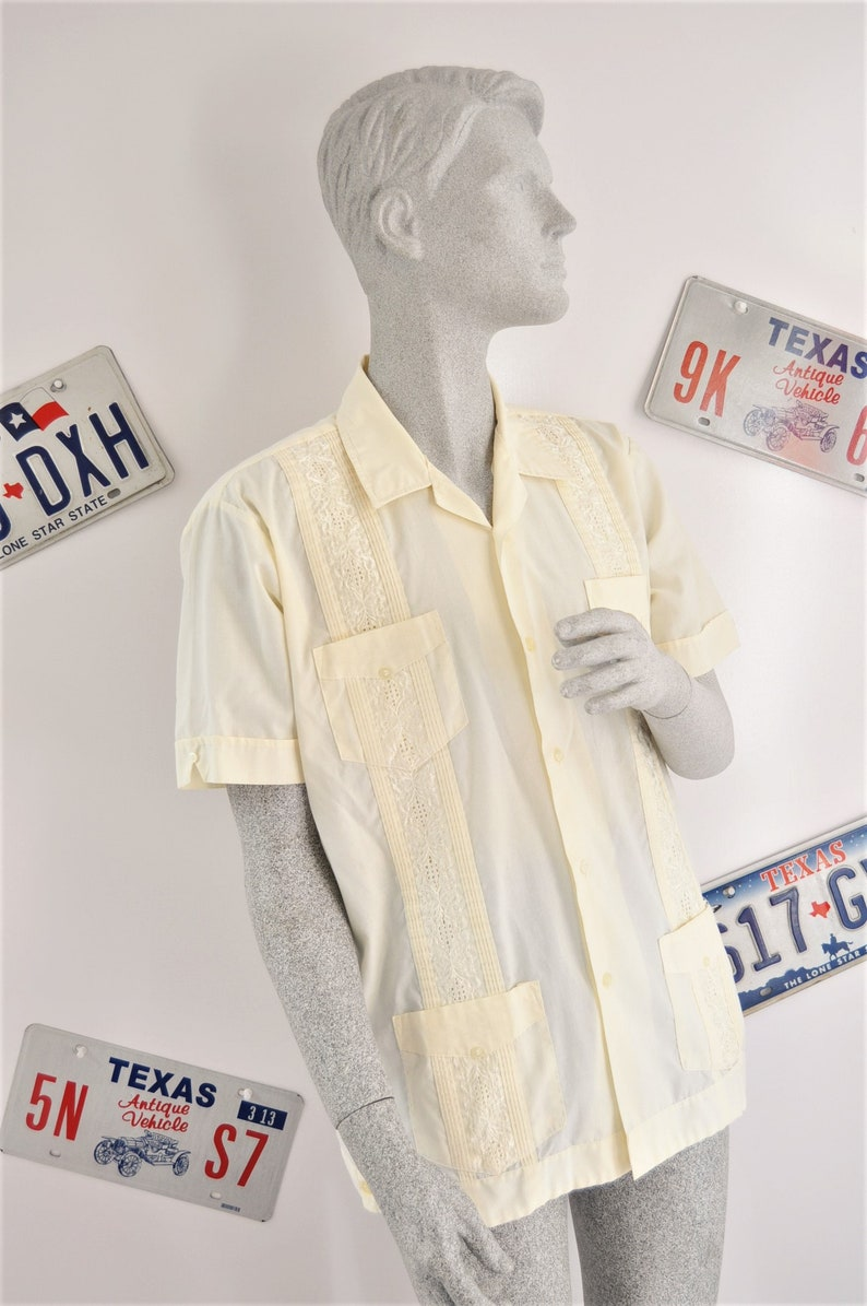 Vintage Mens Italian or Mexican Wedding Shirt Saffron Yellow White Stitching Button Front 4 Pocket Yucateca Short Sleeve 70s 80s Large