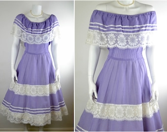 Romantic 70s lilac cotton & cluny lace dress Sz M   off the shoulder vintage square dance country prairie peasant gypsy festival rockabilly