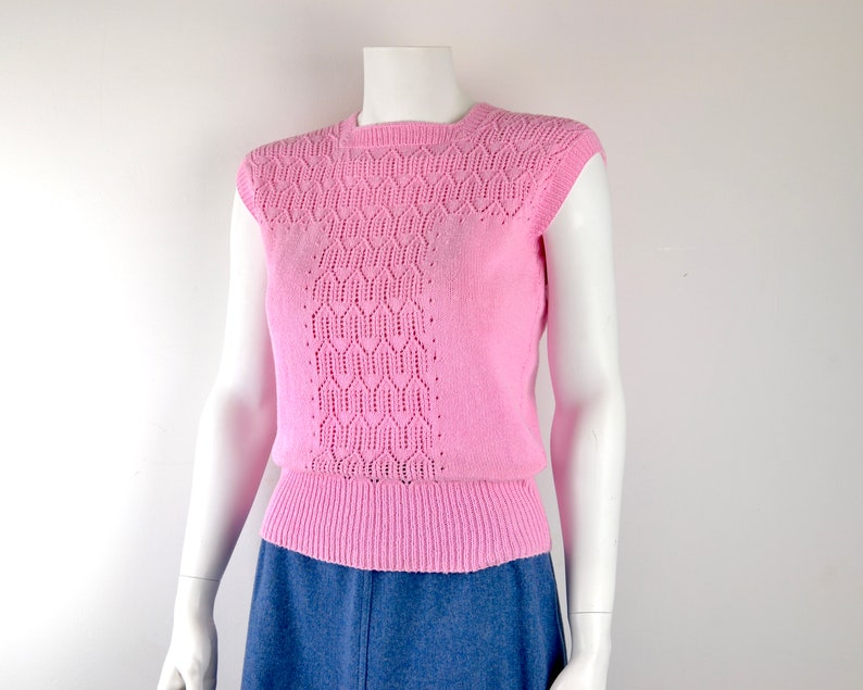 1960s hand knitted shell top in pink cotton with lace front  image 0