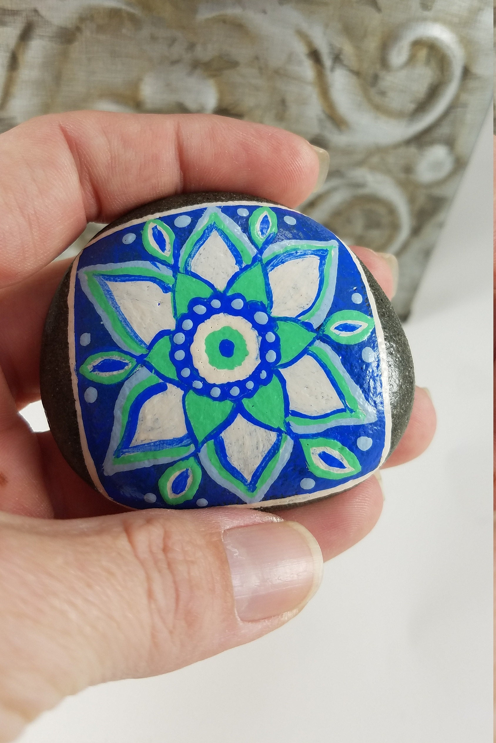 INSPIRATIONAL Sentiment MESSAGE Paperweight Hand carved Stone Paperweight