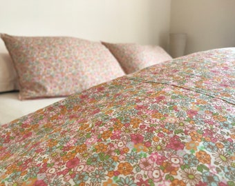 100% Cotton Reversible Duvet Cover in a Ditsy Floral Print with Pink Gingham reverse and 2 Pillow Cases, Floral Bedding , Floral Duvet Set