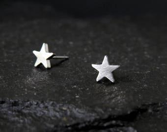 Small star earrings / star studs / star shape earrings / hypoallergenic earrings / geometric stud earrings