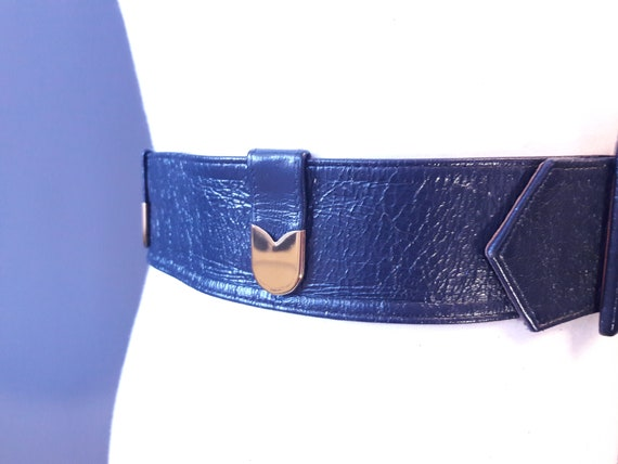 sm - 1950s navy blue crinkly patent leather belt … - image 4