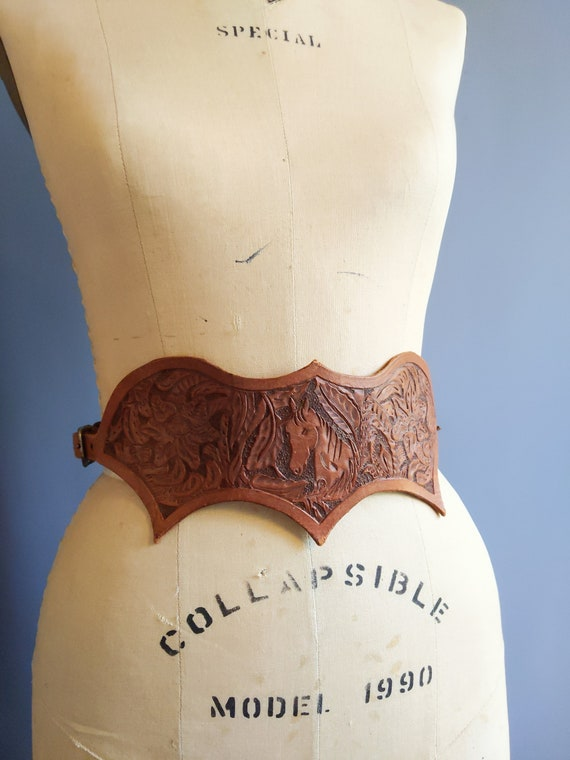 m - 1950s hand-tooled leather cowgirl belt, 1940s