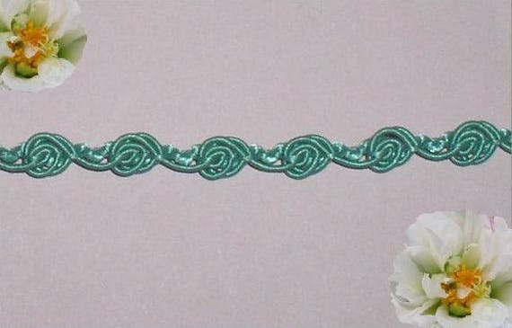 7 YDS GREEN LEAVE RAYON VENISE LACE GALLON
