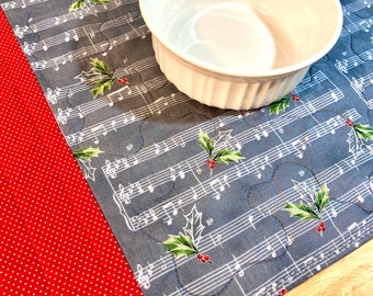 Set of 4 Christmas Placemats, Quilted Placemats, Music Placemats, Christmas Carols, Silent Night, Christmas Music, Sheet Music, Music Decor