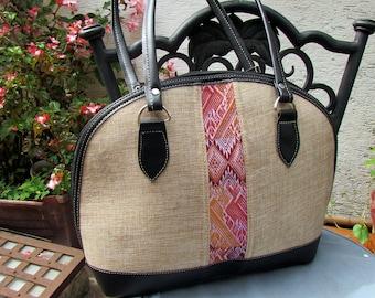 Guatemalan Bag: Elegant Hand Woven Purse