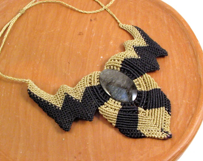 Bold Pendant with Macrame and Black Jade, Guatemalan Necklace, Boho Necklace, Guatemalan Jade