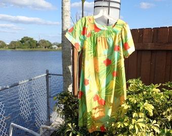 d14e09a99aba0 VINTAGE 1960 s Hawaiian Print Shift Dress by Sears Roebuck and Co. -  available