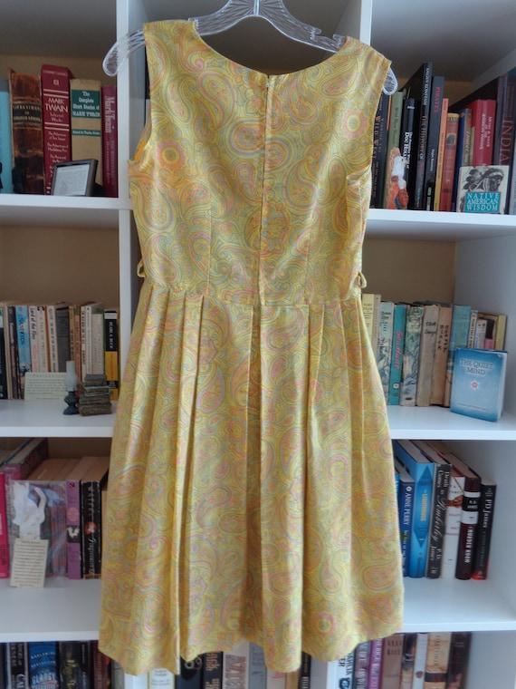 1960's Dress Paisley Print Pleated - image 5