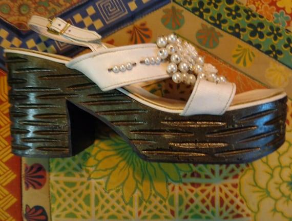 1970s Platform Shoes!Amazing like new VINTAGE Ladi