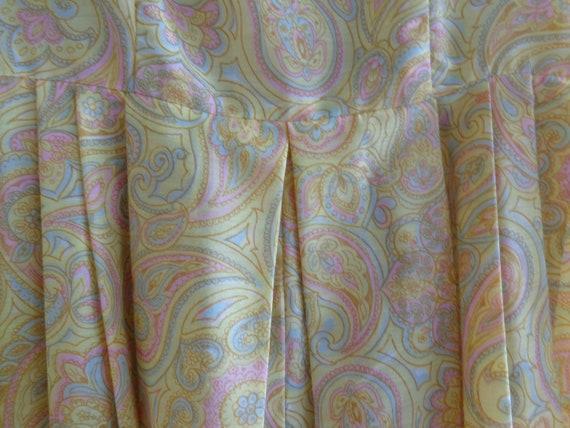 1960's Dress Paisley Print Pleated - image 4