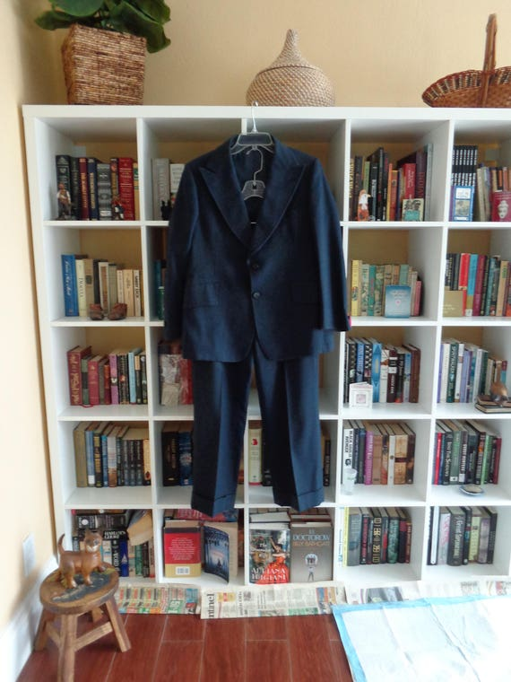 VINTAGE 1970's Men's Navy Blue Wool Pinstripe Suit